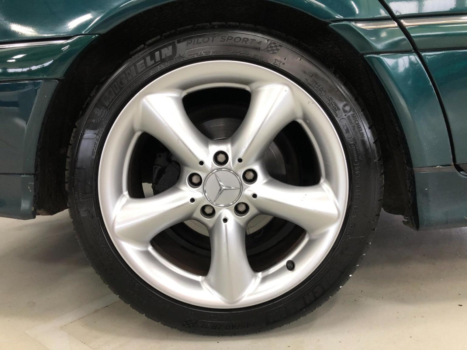 Mercedes-Benz-C-Klasse-18