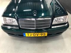 Mercedes-Benz-C-Klasse-23